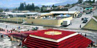 Rosenpyramide Ecuador